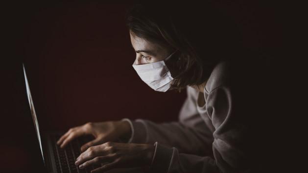 A Facebook szigorú cenzúrával készül a védőoltás érkezésére