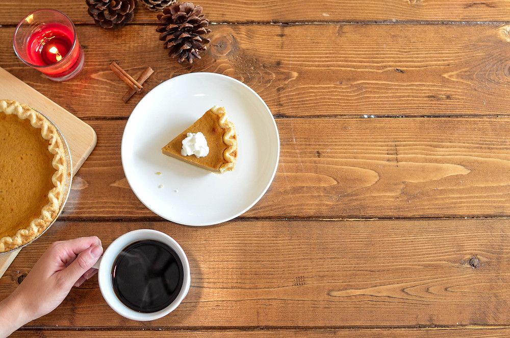 photo of coffee and pumpkin pie