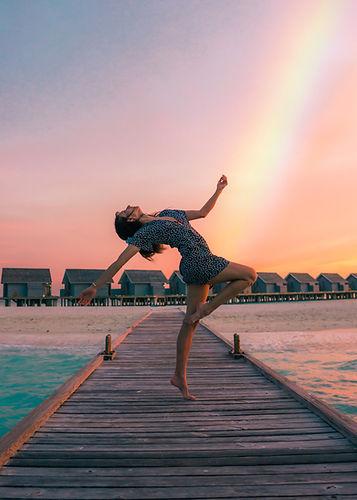 Danseur ile sunset
