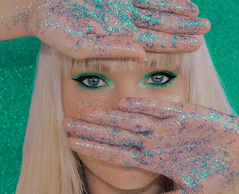 Biodegradable Glitter Look
