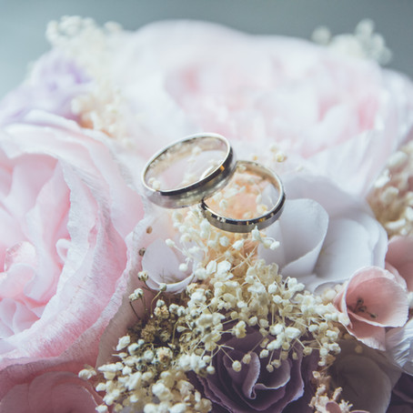 Give a Wedding Gift that Lasts a Lifetime: Sound Financial Advice
