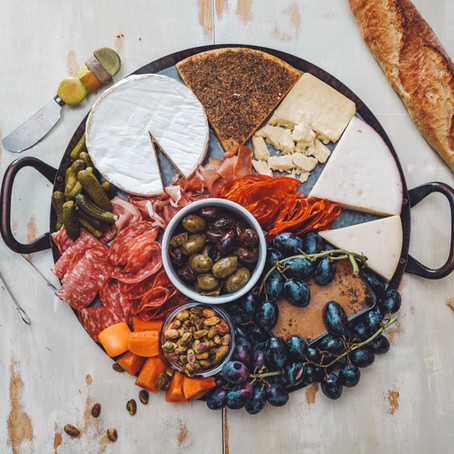 A BRIEF HISTORY OF THE CHARCUTERIE BOARD