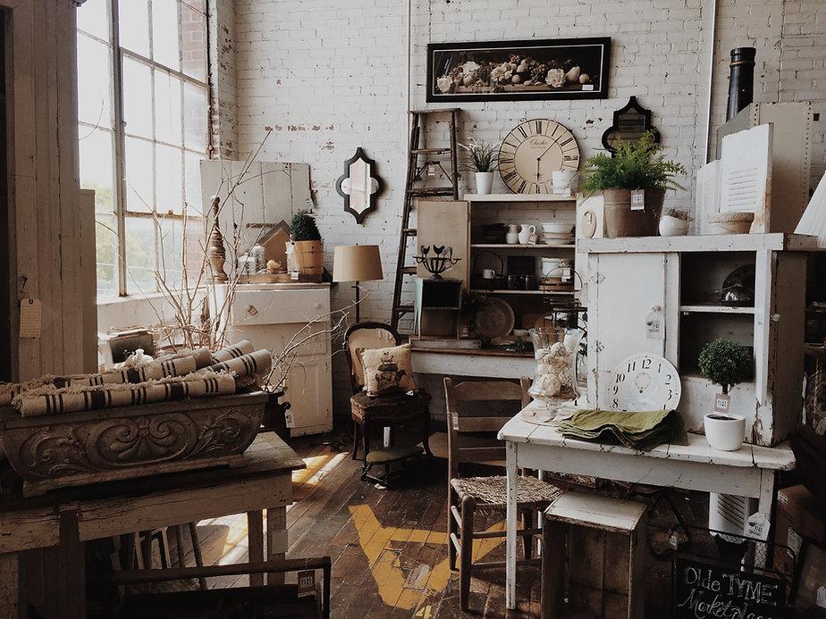 Foto che rappresenta il mercato dell'usato, il vintage store