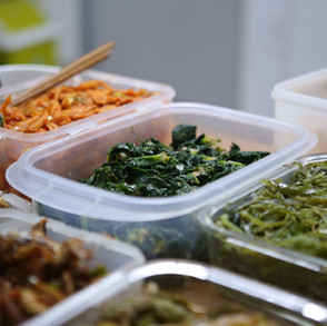 How To Reduce Food Waste When You Travel