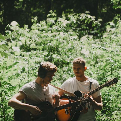 Acoustic / Organic Minimal