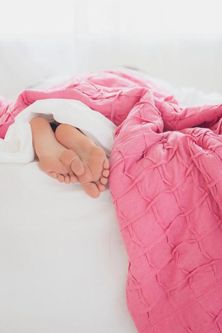 9 Ayudas Naturales para Dormir Mejor