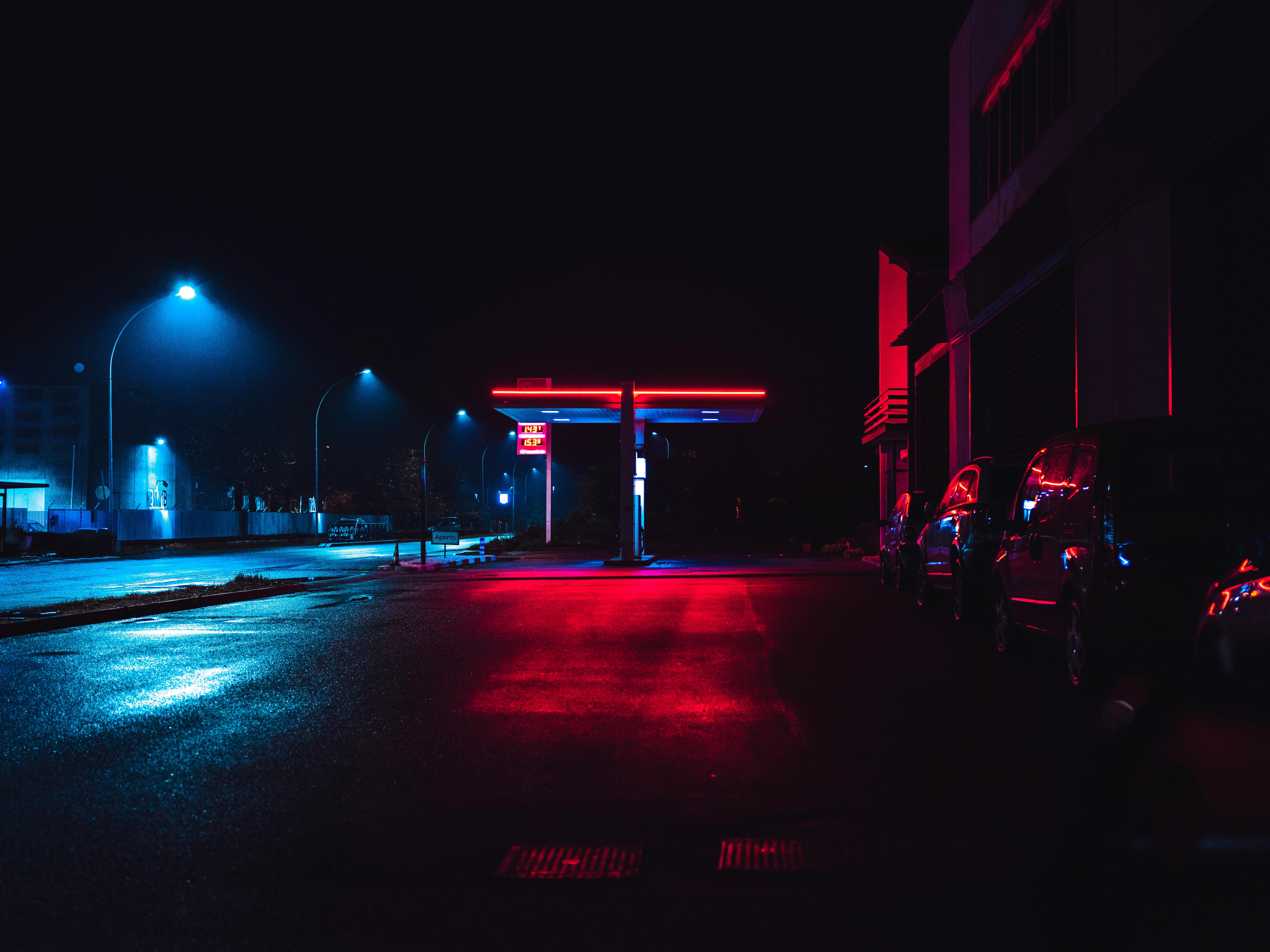 Image by Luca Bravo