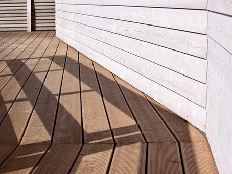 How to Correctly Pressure Wash a Deck