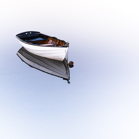 What are the injury dangers associated with small boats?