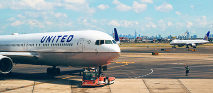 United Airlines strikes deal with pilots, avoids layoffs