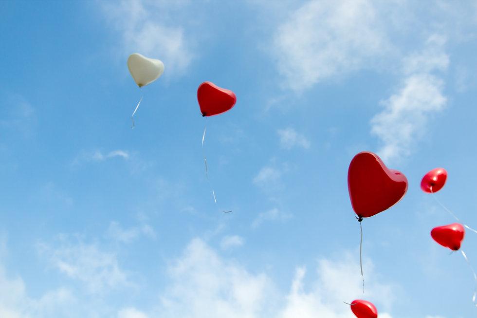 Voiko rakkautta, totuutta tai iloa omistaa?