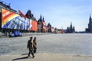"""""""Gegužės 9-ąją švenčia nugalėtojai"""" ir kiti pro-kremliškos dezinformacijos ramsčiai"""