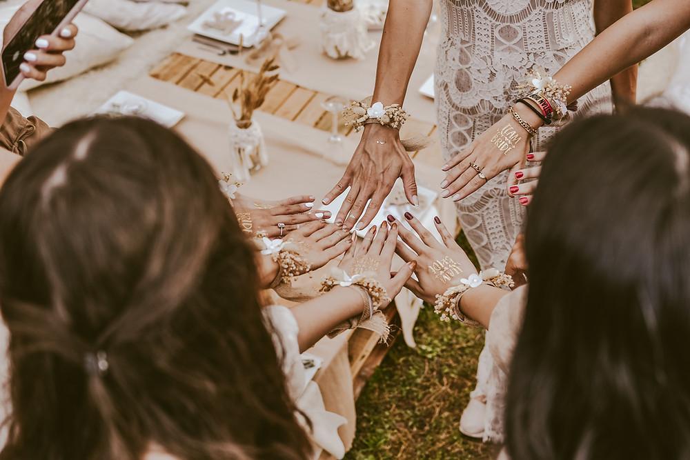 Verlobung feiern mit einer Zeremonie
