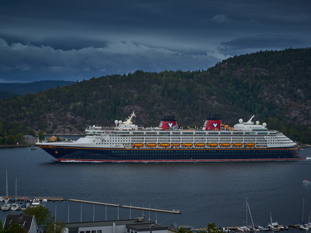 How to Reward Exceptional Cast Members on Disney Cruise Line