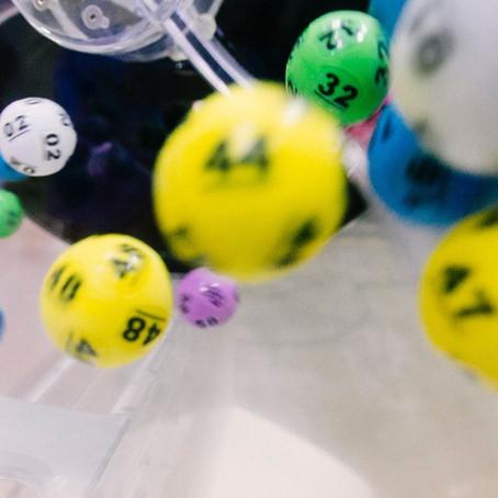¿Jugar lotería o invertir en la bolsa?