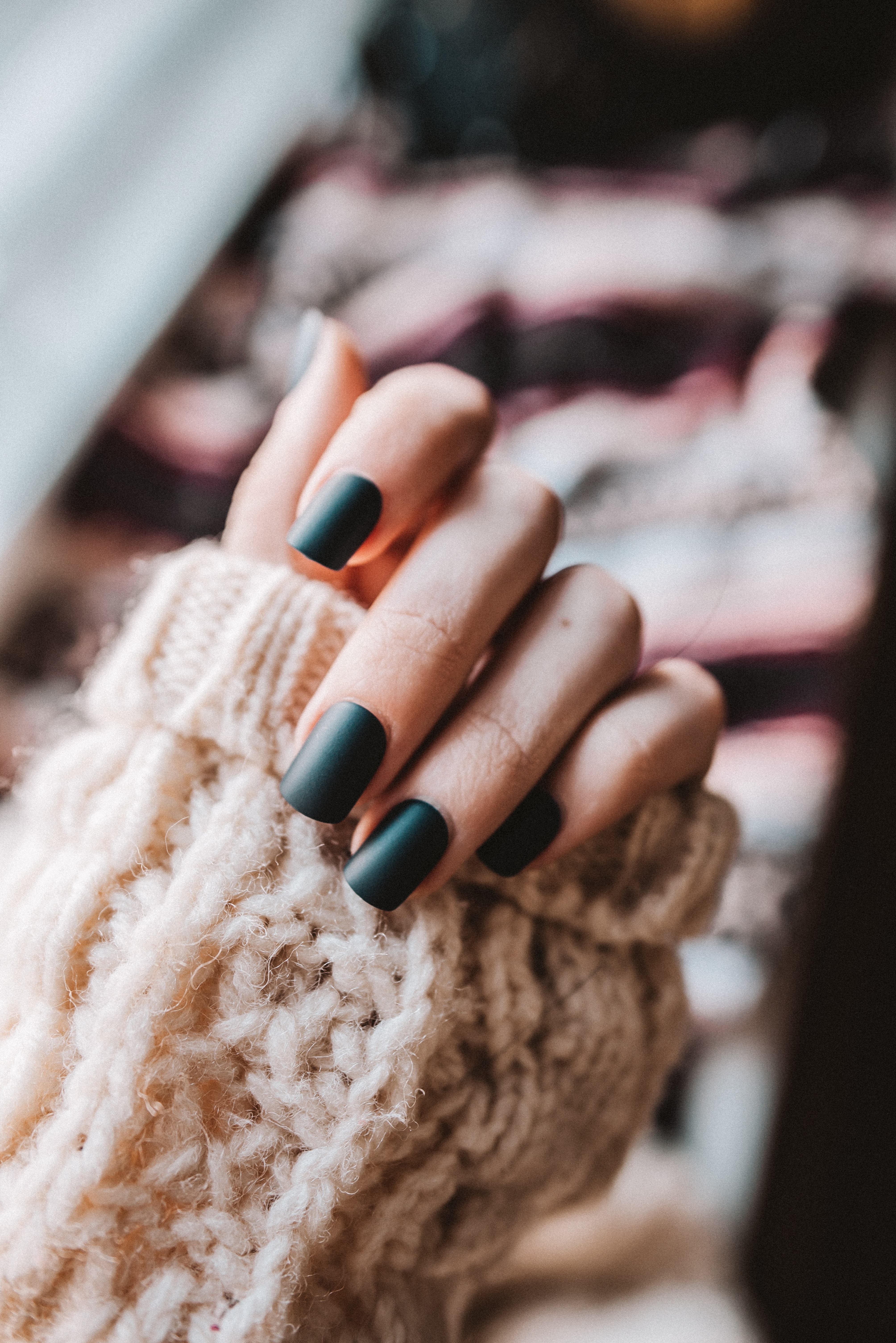 OFFER - Full manicure & shellac, removal