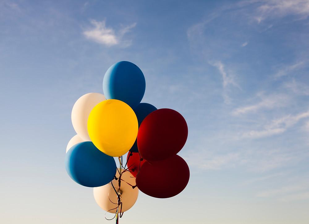 Napihljivi baloni: Obstaja neskončno načinov igranja z baloni v zaprtih prostorih
