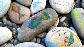 Nature-based intervention for working with children: Using stones to process difficult material
