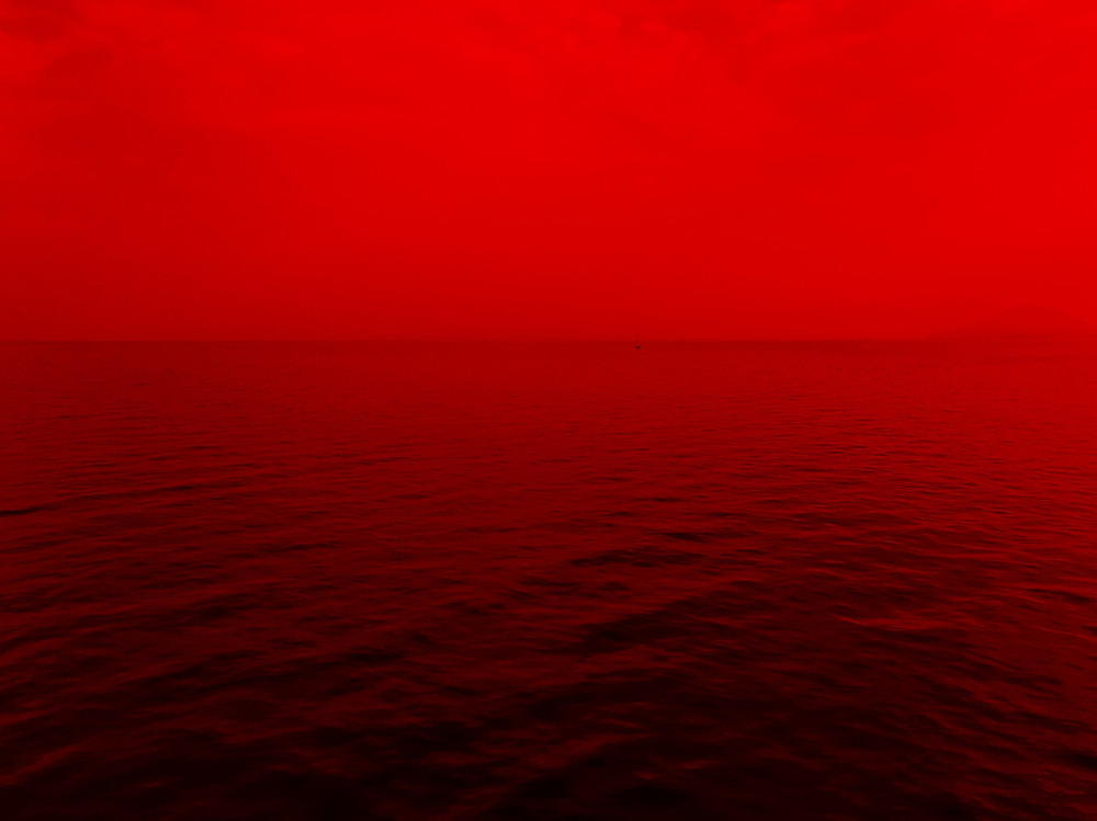 red-red water-red horizon-red sky