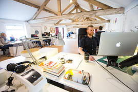 España registra descenso del 34,4% en nuevo negocio de agencias creativas y del 10% en las de medios