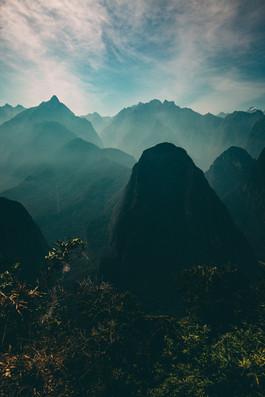 Dramatic Peru Hills