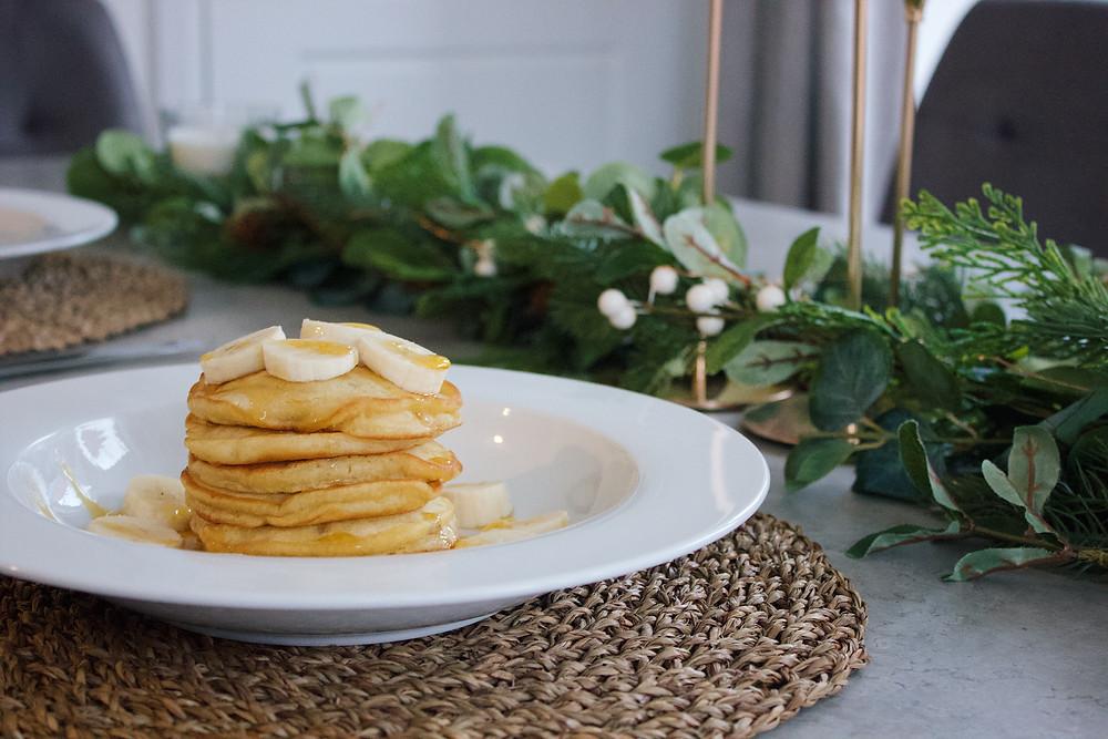 syrup bananas pancakes