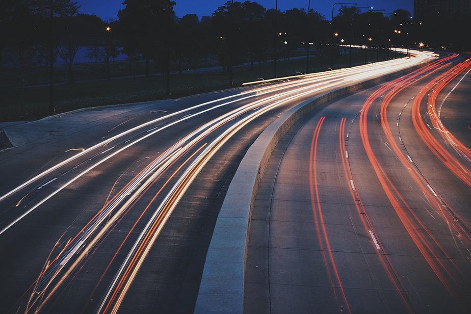 Carretera iluminada