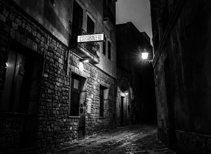 Short Story: Angel in the Alley