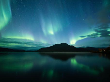 Il fascino di uno spettacolo immenso: l'aurora boreale