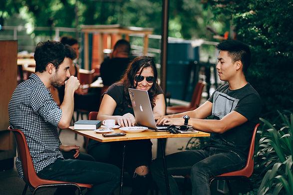 Modern meeting Poppy Meet Smart Office