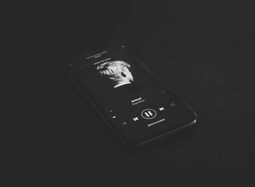 Confinement : Pourquoi l'écoute de musique en streaming chute sur les plateteformes ?