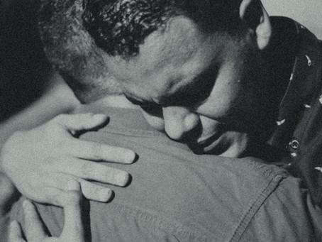 O Abraço Íntimo da Vida e da Morte