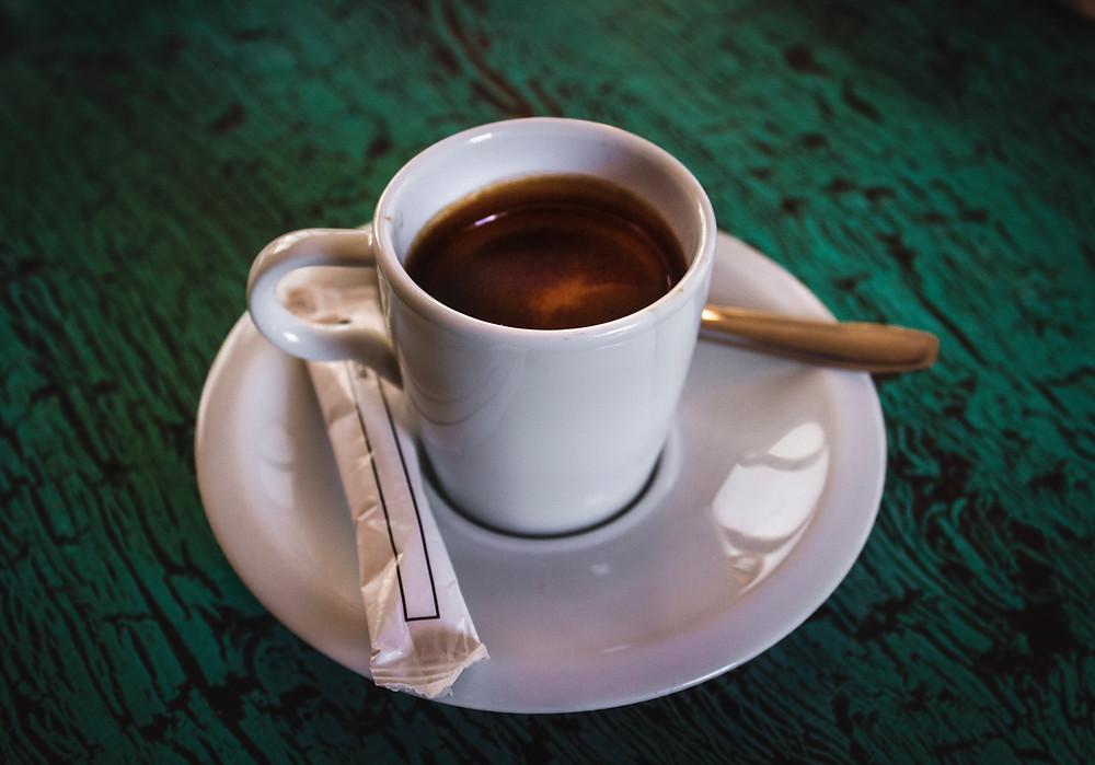 espresso Ethiopia Mocca Harar w białej filiżance