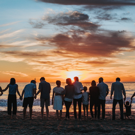 4 Ways Travel Can Bring Family & Friends Together