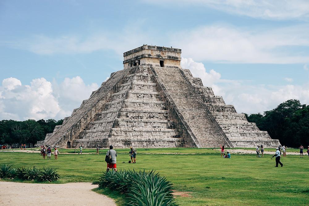 México cerrará sus famosas ruinas mayas después de que turistas violaran la política de mascarillas.