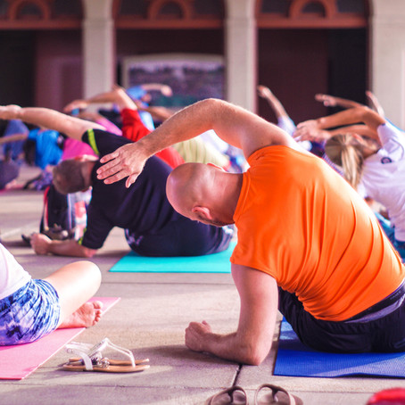 How Should I Prepare for My First Yoga Class?