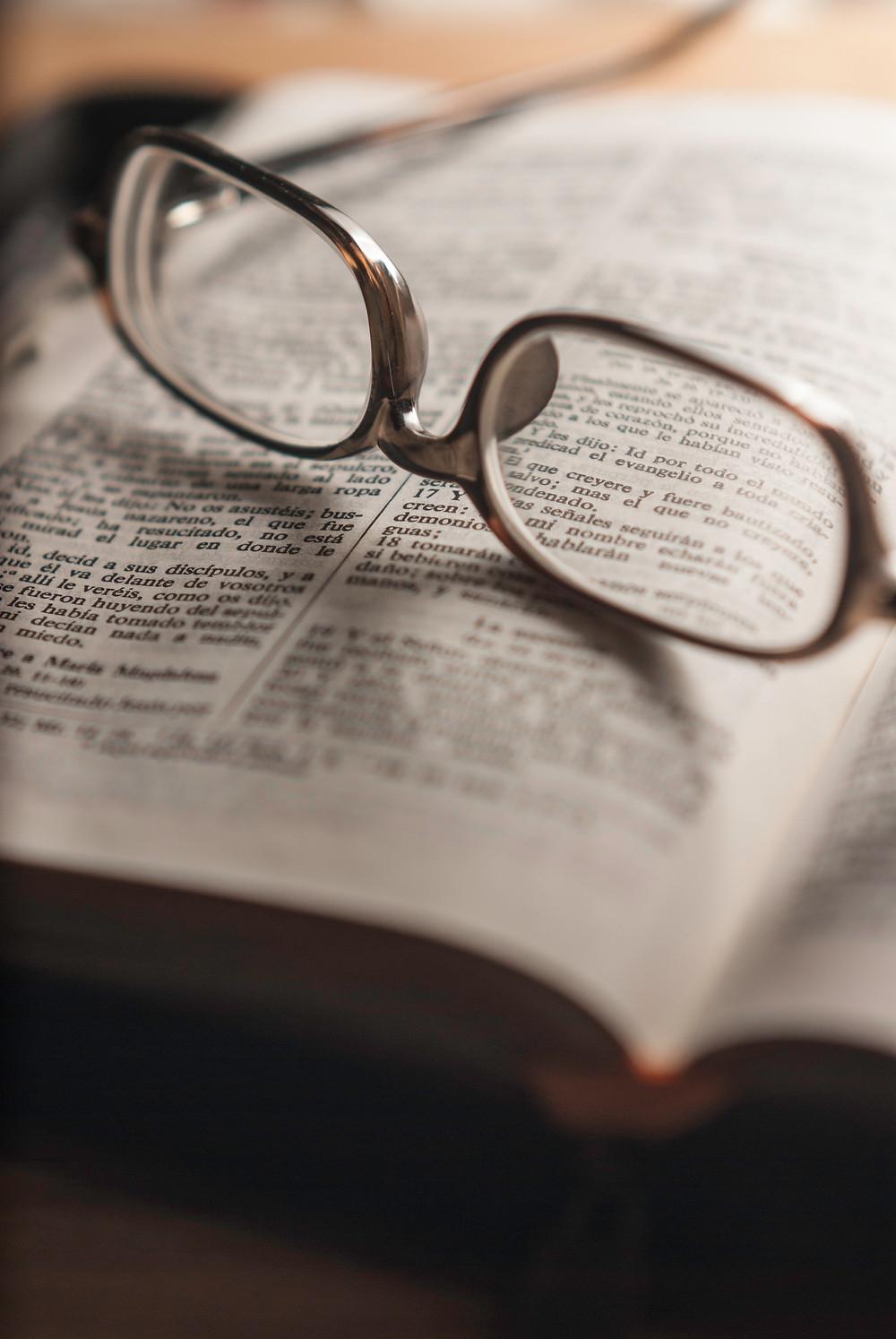 BIBLIA ADOGMÁTICA…  |  @ Artigo: Amando Hurtado