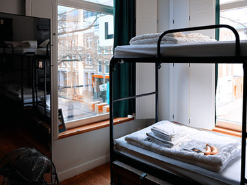 Pros and Cons of Hostel Living