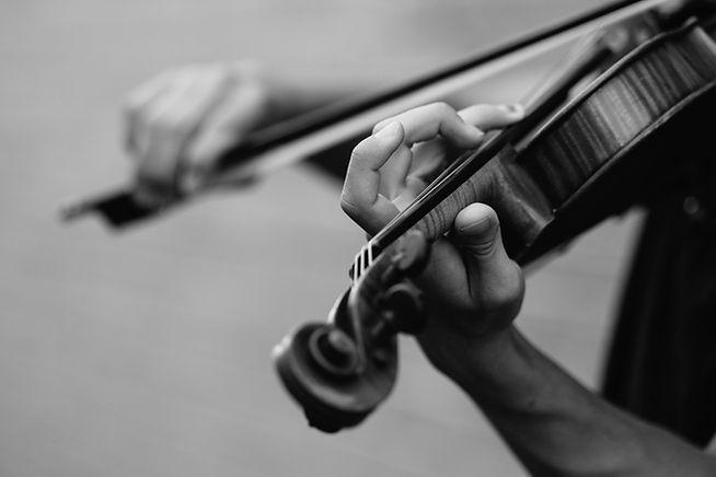 Des cours de violon en privé sont offerts à l'école de violon Anne-Hélène Chevrette de Québec.