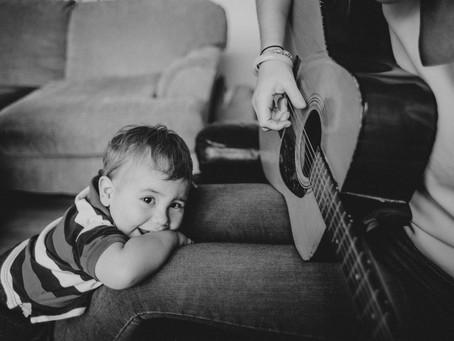 Enquête sur la parentalité dans la musique