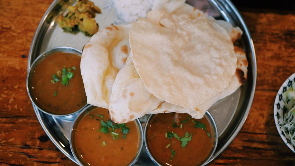 פאפאדם- זו גרסה הודית לנאצ'וס - הוא גדול, דק ופריך, ומשמש בעיקר למטבלים. מטגנים אותו בשמן עמוק