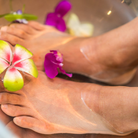 Live Well Corner: Using Foot Soaks to Remove Toxins