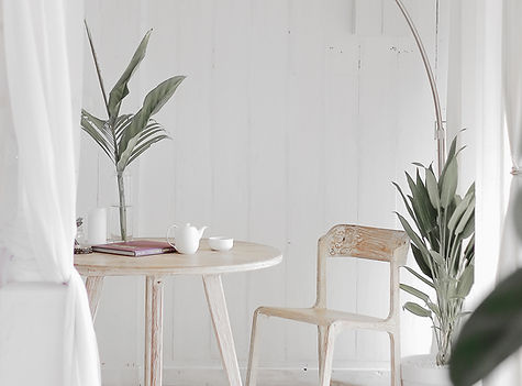 Picture of kitchen table and chairs