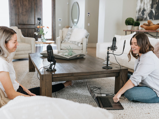 7 Female Empowering Podcasts