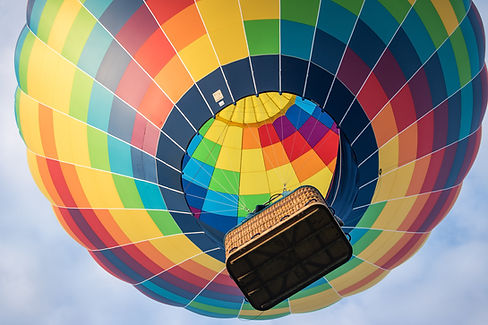 Baloon flying to the top