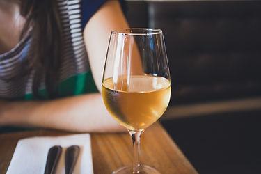 vin-liquoreux-et-moelleux-sauternes.jpeg