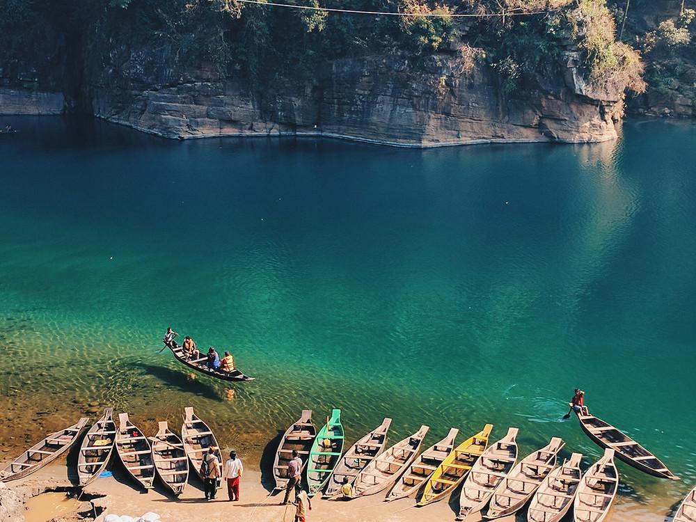 The dawki river in Meghalaya divides India with Bangladesh