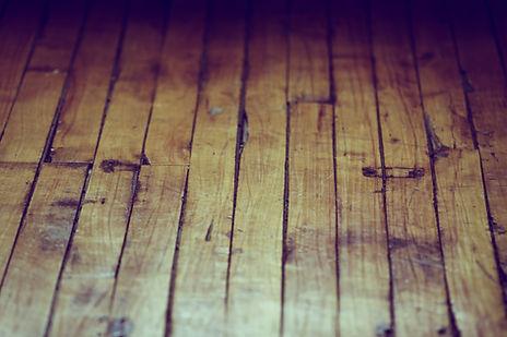 Alten Holzfußboden schleifen