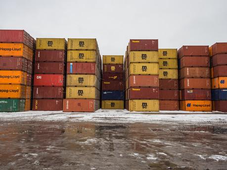 Ile kosztuje transport morski z Chin w lutym 2020?