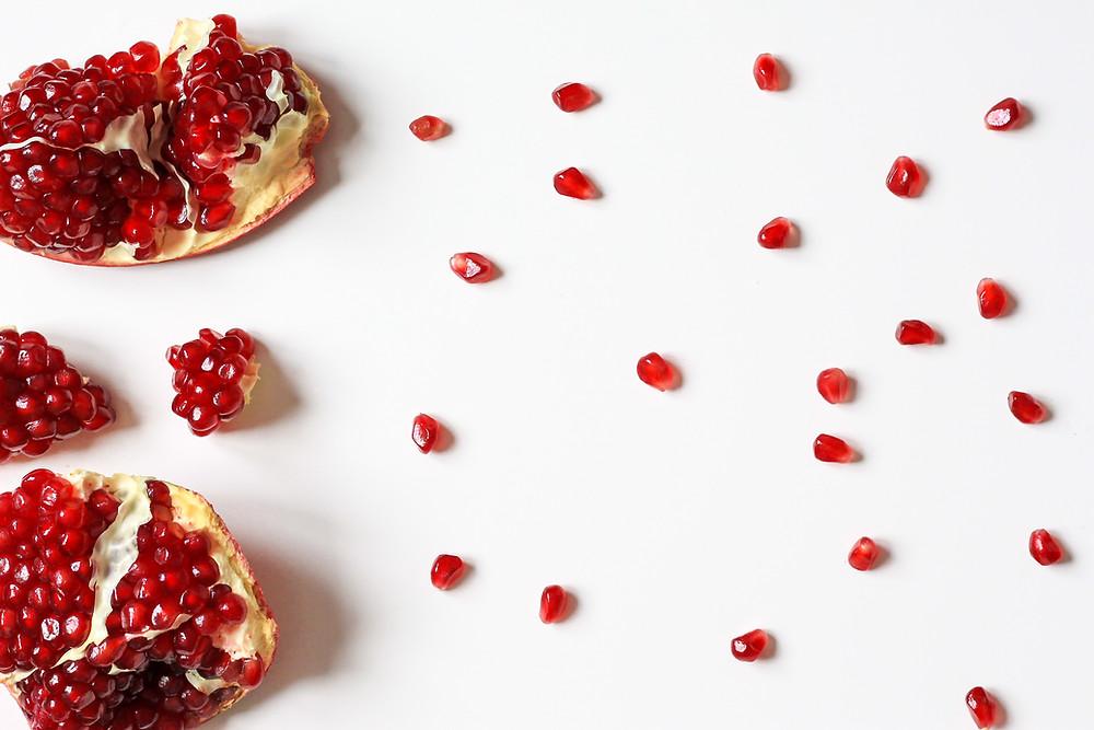 Yummy-Bagel-with-Cherries-Creamy